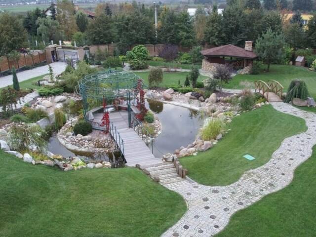 Urządzanie ogrodu Białystok - różnica terenu w ogrodzie